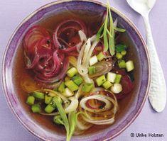 Zwiebelsuppe mit dreierlei Zwiebeln - Soupe à l'oignon