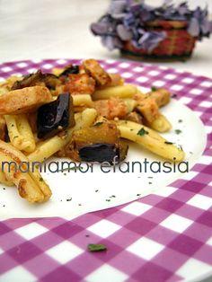 Homemade pasta with swordfish and eggplant-- Le caserecce con pesce spada e melanzane sono un primo piatto semplice, ma gustoso, che vi farà fare una buonissima figura tra i commensali.