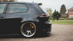 VW golf mk7 R - slammed low air ride stance black