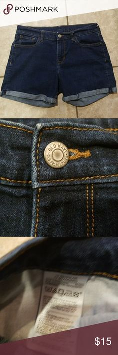 OLD NAVY BLUE JEAN SHORTS WOMENS 10 REGULAR Excellent pre-owned condition.  The waist measures 15 inches lying flat.  The length is 15.5 inches measuring in back. Old Navy Shorts