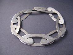 Modern Sterling Silver Oval Bracelet by tiachia on Etsy Contemporary Jewellery, Modern Jewelry, Metal Jewelry, Jewelry Art, Jewelry Bracelets, Silver Jewelry, Jewelry Design, Unique Jewelry, Indian Jewelry