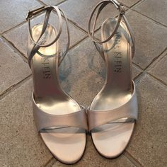 """Anne Klein Collection Heels These have been worn. There are some marks on the heel stem and by the toes and the back of the heels. The silver part that says Anne Klein is peeling off a little. I am happy to show more pictures to serious offers and open to offers no low ones please. Heel is 3"""" Anne Klein Shoes"""
