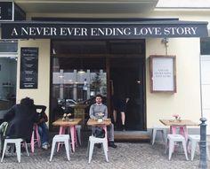 """""""A Never Ever Ending Love Story"""" gibt's jetzt einen leckeren und gut aussehenden Frühstücksladen in Charlottenburg.   bleibtraustr."""