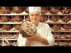 Panettone: original recipe by Italian pastry chef master Gino Fabbri Myanmar Food Recipe, Egg Paratha, Vermicelli Salad, Grilling Recipes, Cooking Recipes, Mississippi Pot Roast, High Protein Breakfast, Pastry Shop, School