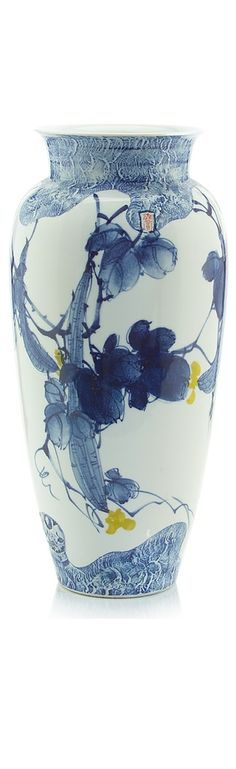 InStyle-Decor.com Chinese Blue White Porcelain, Blue White Table Lamps, Blue White Temple Jars, Blue White Vases, Blue White Jars. Professional Inspirations for AIA, ASID, IIDA, IDS, RIBA, BIID Interior Architects, Interior Specifiers, Interior Designers, Interior Decorators. Check Out Our On Line Store for Over 3,500 Luxury Designer Furniture, Lighting, Decor Gift Inspirations, Nationwide International Shipping From Beverly Hills California Enjoy Whats Trending in Hollywood