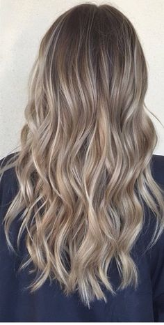 Wonderful Photos Balayage hair blonde sand Style Summer's as you go along! And also our own opinions try smarter, lighter weight, extra exciting pl Sand Blonde Hair, Balayage Hair Blonde Medium, Blonde Hair Looks, Brown Blonde Hair, Baylage Blonde, Balayage Brunette, Boliage Hair, Ombré Hair, Dyed Hair