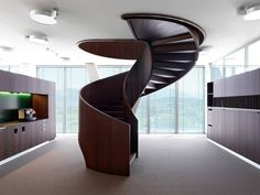 17609_6_05-Roche-spiral-stair