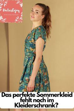 10 Öko Sommerkleider die mit Stil und Nachhaltigkeit überzeugen  NaturEnjoy Ethical Fashion Brands, Ethical Clothing, Fashion Group, Capsule Wardrobe, Slow Fashion, How To Introduce Yourself, Sustainable Fashion, Dress Up, Short Sleeve Dresses