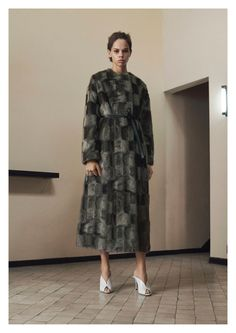 Discover the modest fashion selection from Givenchy pre fall 2019 collection by Almaze Magazine. What are your favorite looks ? Fashion Show Collection, Couture Collection, Vogue Paris, Modest Fashion, High Fashion, Women's Fashion, Ladies Fashion, Fashion Trends, Fashion Tips