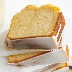 Vanilla Sparkling Wine Pound Cake