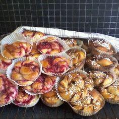 Cinnamon and raspberry buns