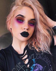 "35k Likes, 253 Comments - Lauren Rohrer (@laurenrohrer) on Instagram: ""Fa la la la la...la la la la #holidayvamp I used The Vampy One Palette by…"""