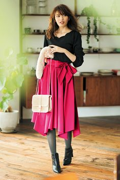 「可愛い」は正義!女子力が高い冬のガールな装い♡大人可愛いアイテム8選 Long Skirt Fashion, Fashion Pants, Girl Fashion, Womens Fashion, Office Outfits Women, Girl Outfits, Cute Outfits, Japan Fashion, Kawaii Fashion