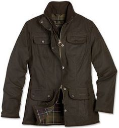 Classic Beadnell in olive with tartan collar