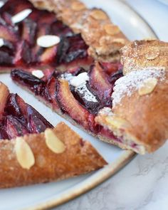 Prajitura cu morcovi si fulgi de ovaz French Toast, Breakfast, Food, Banana, Morning Coffee, Essen, Meals, Yemek, Eten