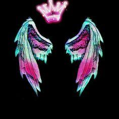 Tú tienes alas para volar y cumplir tus sueños Wings Wallpaper, Angel Wallpaper, Dark Wallpaper Iphone, Emoji Wallpaper, Black Wallpaper, Galaxy Wallpaper, Studio Background Images, Light Background Images, Photo Background Images