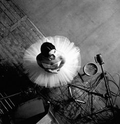 Catherine Verneuil, 1963, by ROBERT DOISNEAU | birds eye view | ballerina | 1960's | dancer | black & white photography | look up | tutu and tulle | brilliant composition | feminine | elegant | pretty |