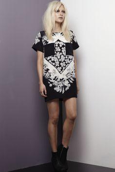 Shakuhachi SCARF PRINT TEE DRESS BLACK WHITE PO
