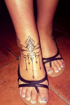 #foottattoo #pédicure #nailart #tatouage #pied #tattoo #foot