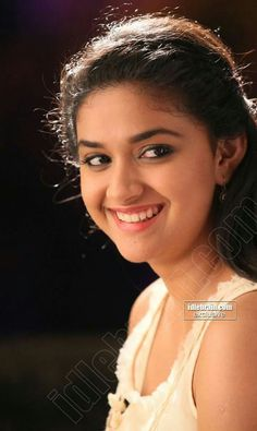 Sani2a27 Cute Girl Photo, Beautiful Girl Image, Beautiful Smile, Beautiful Bollywood Actress, Most Beautiful Indian Actress, Beautiful Actresses, Cute Beauty, South Indian Actress, South Actress