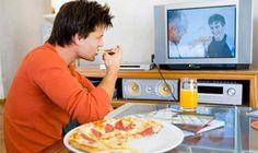 #موسوعة_اليمن_الإخبارية l دراسة توضح ما خطورة تناول الطعام ومشاهدة التلفاز في آن واحد ..؟!