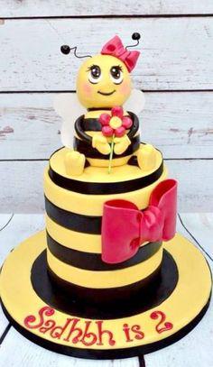 Bienen, Biene Maya, Rezepte, Fondant Torten, Lustige Kuchen, Themenbezogene  Torten, Hummelkuchen, Schöne Kuchen, Tolle Kuchen, Urlaub Kuchen, ...