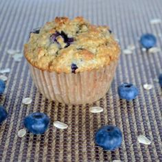 Every flavorful bite is bursting with blueberries in this recipe for healthy blueberry oat muffins. Absolute goodness in every morsel. Blueberry Oat Muffins, Oatmeal Muffins, Blue Berry Muffins, Blueberries Muffins, Apple Oatmeal, Healthy Muffin Recipes, Healthy Muffins, Diabetic Muffins, Healthy Food