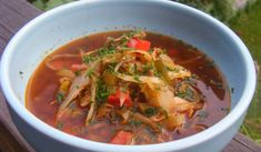 En smakrik köttfärssoppa. Thai Red Curry, Diet, Ethnic Recipes, Food, Meal, Essen, Hoods, Banting, Meals