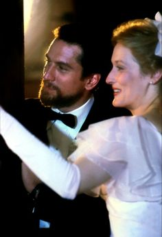 Meryl Streep and Robert De Niro in The Deer Hunter (1978)