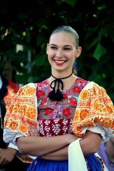 Kroje a tak Folk Clothing, Tribal Dress, Wedding Costumes, Beautiful Costumes, Folk Costume, People Of The World, Festival Wear, Traditional Dresses, Dance Wear