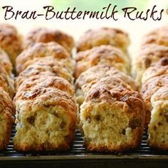 Rusks 1 kg selfraising flour salt 2 tsp baking powder 500 ml brown sugar 500 ml rolled oats 750 ml All Bran flakes 500 ml sunflower seeds (or nuts, raisins) 2 eggs 500 ml buttermilk butter, . Buttermilk Rusks, Rusk Recipe, Hard Bread, Yummy Drinks, Yummy Food, Healthy Breakfast Snacks, Breakfast Ideas, Kos, All Bran