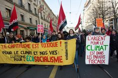 Thousands march in Geneva to protest against global climate changes on Nov. People Around The World, Around The Worlds, Environmental Ethics, Environmentalism, Powerful Images, Paris Photos, Global Warming, Geneva, Ecology