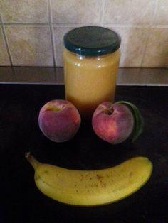 Μαρμελάδα χωρίς ζάχαρη! Πάρτε ροδάκινα και μπανάνες και ακολουθήστε αυτή τη συνταγή για μαρμελάδα χωρίς ζάχαρη αλλά με μέλι! Απλώστε τη στο ψωμί σας για πρωινό! Healthy Sweets, Preserves, Pickles, Apple, Fruit, Cooking, Food, Apple Fruit, Kitchen