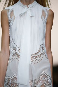 White sleeveless dress with pleats & embroidery; fashion details // Roberto Cavalli Spring 2015