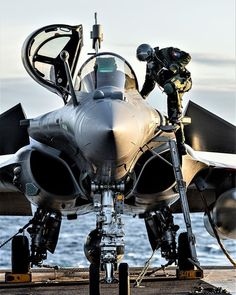 Military Jets, Navy Military, Military Photos, Military Aircraft, Jet Fighter Pilot, Air Fighter, Fighter Jets, Airplane Fighter, Fighter Aircraft