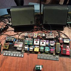 Living Colour's Doug Wimbish impressive pedalboard. Lots of good stuff, including TWO Eventide H9 pedals: http://explore.dolphinmusic.co.uk/search?p=Q&w=h9
