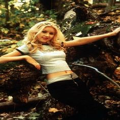 Christina Aguilera 1999, Girls Run The World, Hot Outfits, Celebs, Celebrities, American Singers, Hollywood Stars, Britney Spears, Amazing Women