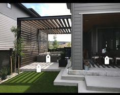 The pergola you choose will probably set the tone for your outdoor living space, so you will want to choose a pergola that matches your personal style as closely as possible. The style and design of your PerGola are based on personal Pergola Diy, Diy Patio, Backyard Patio, Small Pergola, Wood Pergola, Outdoor Pergola, Backyard Retreat, Pergola Shade, Small Patio