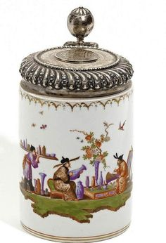 """""""Walzenkrug"""" Tankard with Chinese Figures. Circa Porcelain, enriched in colours and gold. Silver lid and mountings. Delft, Chinoiserie Chic, Tea Caddy, China Painting, Objet D'art, Ginger Jars, Porcelain Vase, 18th Century, Glass Art"""