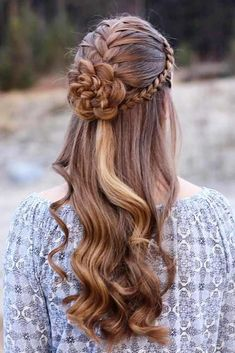 There are so many braided hairstyles for long hair that your head starts to spin when you try to choose one. The choice will be easier for you with us. lange frisuren 2019 24 Braided Hairstyles For Long Hair To Your Exceptional Taste Braids For Long Hair, Wavy Hair, New Hair, Homecoming Hairstyles, Wedding Hairstyles, Junior Bridesmaid Hairstyles, Evening Hairstyles, Bridal Hairstyle, Quick Hairstyles