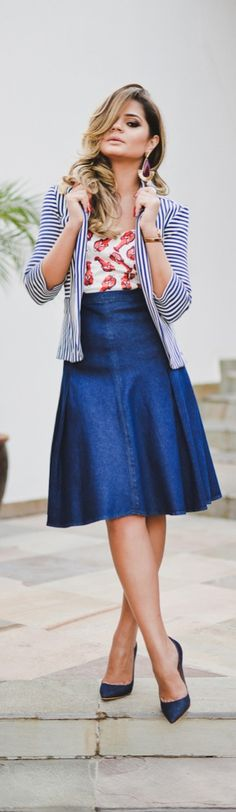 Denim midi skirt - simple and chic                                                                                                                                                                                 Más