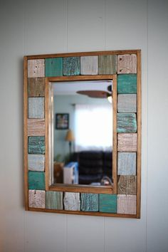 Fantastic DIY mirror frames that you can make yourself Do you have a desire to do things for yourself that everyone will admire? Check out our ideas for fantastic DIY mirror frames today that you c… Driftwood Frame, Painted Driftwood, Diy Mirror, Sunburst Mirror, Wall Mirrors, Upcycled Home Decor, Wooden Crafts, Diy Frame, Beach House Decor