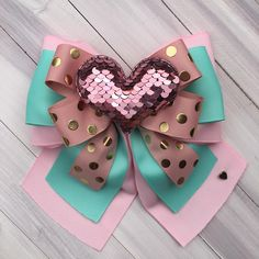 Baby Girl Accessories, Bow Accessories, Making Hair Bows, Diy Hair Bows, Pearl Embroidery, Hair Decorations, Boutique Hair Bows, Ribbon Bows, Baby Headbands