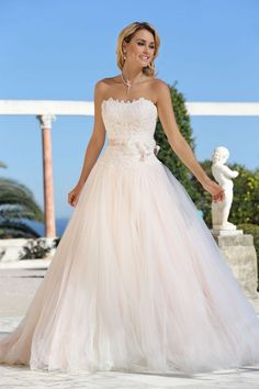 LADYBIRD PRINCESS Princess wedding dresses by Ladybird Bridal Looking for that special princess wedding dress? Check online the wonderful collection of Ladybird Princess and imagine you in a romantic atmosphere. The Ladybird Princess wedding dress collection is specially designed for brides who want to feel like a