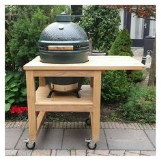 Robust oak furniture for the big green egg. - Robust oak furniture for the big green egg. Big Green Egg Large, Ceramic Bbq, Outdoor Bbq Kitchen, Grill Stand, Outdoor Grill Station, Green Egg Grill, Grill Table, Kamado Grill, Green Eggs