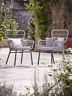 NEW Outdoor Wicker Dining Chair