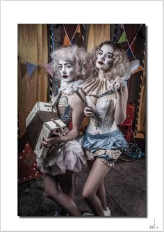A Very Vintage Circus 5 (by Alistair Campbell) [clown] Halloween Circus, Circus Clown, Circus Theme, Halloween Costumes, Circus Hair, Clown Costumes, Fairy Costumes, Circus Birthday, Carnival Costumes