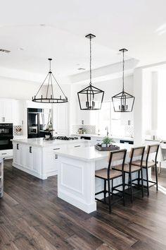 Classic Kitchen, Farmhouse Style Kitchen, Modern Farmhouse Kitchens, Home Decor Kitchen, Kitchen Interior, New Kitchen, Cool Kitchens, Kitchen Ideas, Farmhouse Decor