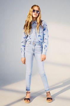 Os presento la nueva colección de moda infantil primavera verano Stella McCartney Kids. Prendas cómodas, divertidas y con unos marcados valores éticos y ecológicos.