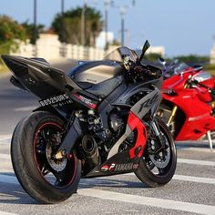 Learning to ride a bike is no big deal. Learning the best ways to keep your bike from breaking down can be just as simple. Yamaha Bikes, Yamaha Yzf R6, Cool Motorcycles, R6 Motorcycle, Moto Bike, Super Bikes, Ducati, Custom Sport Bikes, Ride Out